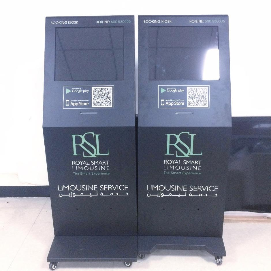 booking smart kiosk lcd screen with receipt printer
