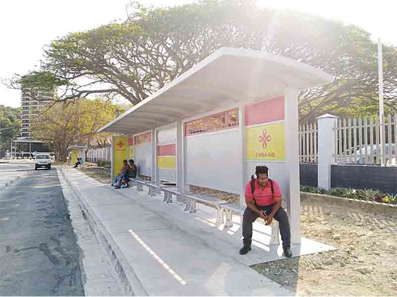 YEROO-Solar Powered Bus Shelter Manufacture | Outdoor Advertising Solar Bus Stop-22