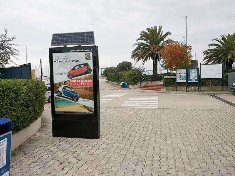 YEROO-Find Led Screen Display Outdoor Led Screen Display From Yeroo Bus Shelter-26