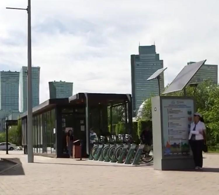 YR-BS-0032 Customized smart advertising bus shelter